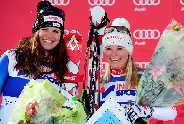 Nadja Kamer (z lewej) i Lara Gut po zawodach. /INTERIA.PL/PAP