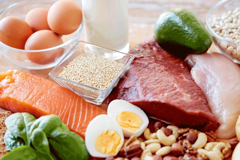 Nadmierne spożycie protein może uszkodzić nerki /©123RF/PICSEL