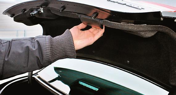 NADWOZIE POWINNO BYĆ SZTYWNIEJSZE: w autach o większym przebiegu zdarza się postukiwanie na zakrętach. /Motor