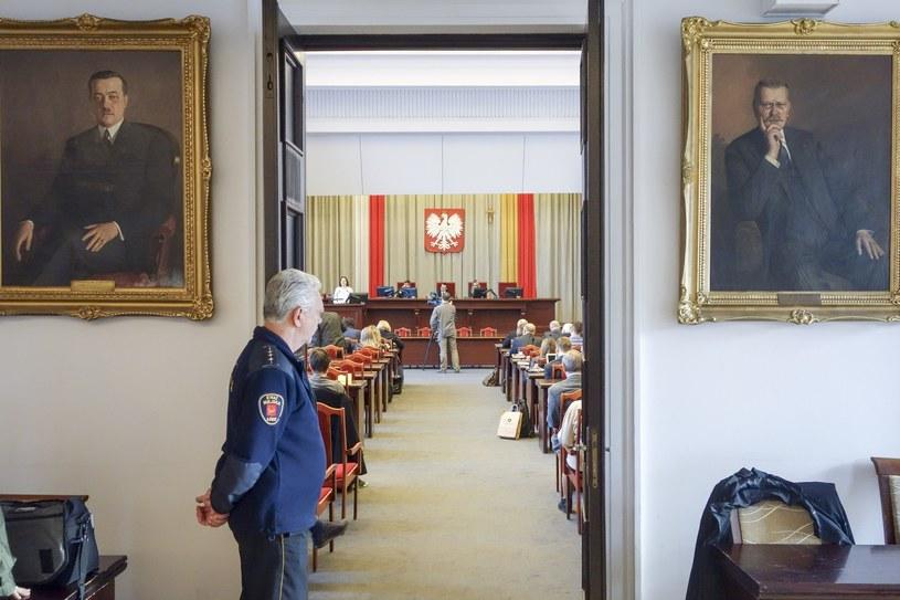 Nadzwyczajna sesja Rady Miejskiej w Łodzi /Piotr Kamionka /Reporter