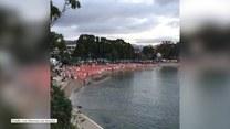 Nagi szał ciał. Rekordowa kąpiel nudystów na plaży w Australii