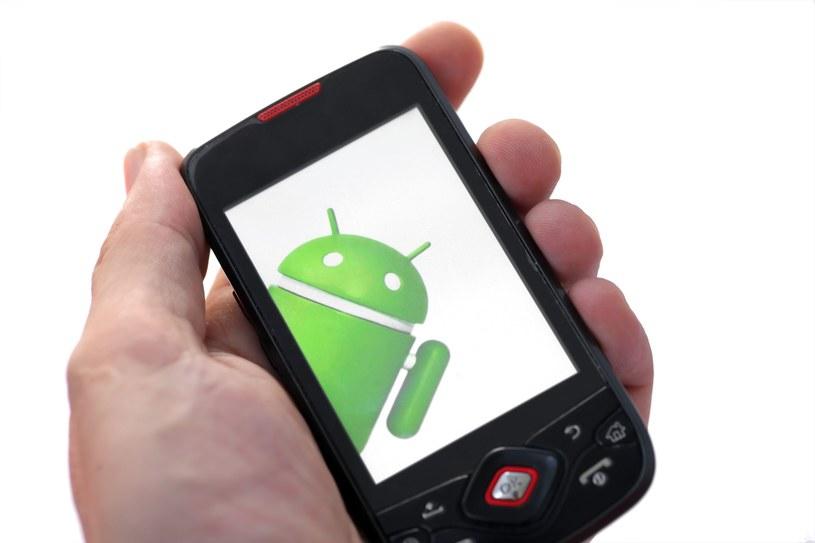 Najbardziej narażone na ataki pozostają urządzenia z systemem Android /123RF/PICSEL