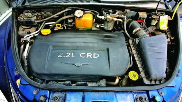 Najbardziej polecaną jednostką napędową PT Cruisera jest silnik wysokoprężny 2.2 CRD (przed liftingiem 121 KM, po liftingu 150 KM). To jednostka zapożyczona z Mercedesa. Dzięki wysokiej wartości momentu obrotowego gwarantuje dobrą elastyczność. /Motor