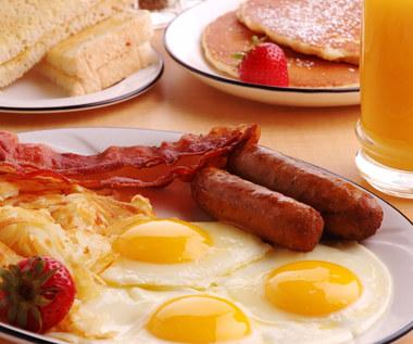 Najbardziej sycące śniadania, idealne na zimowe poranki