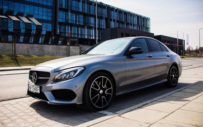 Najchętniej kupowanym modelem Mercedesa jest klasa C - w pierwszym półroczu 2017 roku sprzedano 210 tys. sedanów i kombi /INTERIA.PL