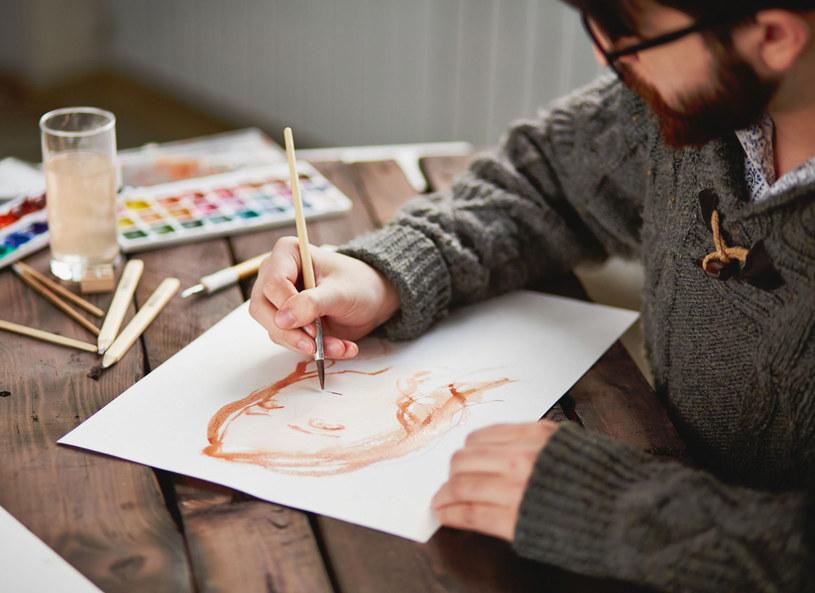 Najczęściej uzdolnieni artystycznie i utalentowani są ludzie leworęczni. /Picsel /123RF/PICSEL