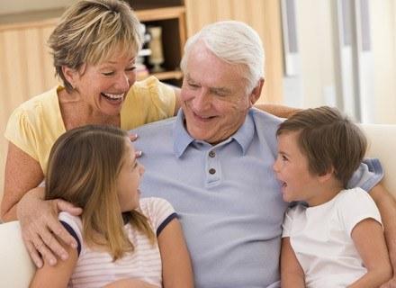 Najczęstszą przyczyną nieporozumień między dziadkami a rodzicami dziecka jest różnica poglądów /© Panthermedia