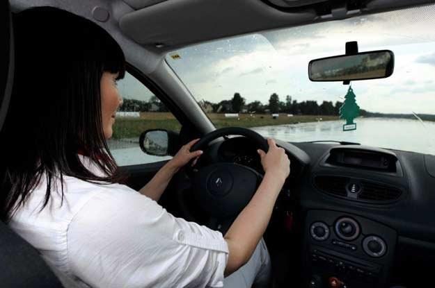 Najlepiej, aby w samochodzie dominowały zapachy bezpieczne, tzn. świeże i delikatne /