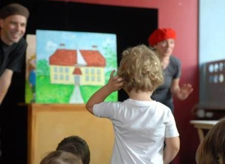 Najmłodsi mają się uczyć obcojęzycznych piosenek i wyliczanek, będą także rysować/fot. A. Szilagyi /MWMedia