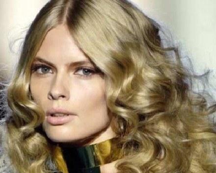 Najmodniejsze są naturalne blondy i brązy /East News/ Zeppelin