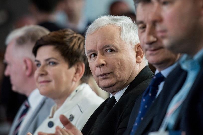 Najnowszy sondaż: PiS - 29 proc. poparcia, PO - 27 proc. /Mariusz Gaczyński /East News