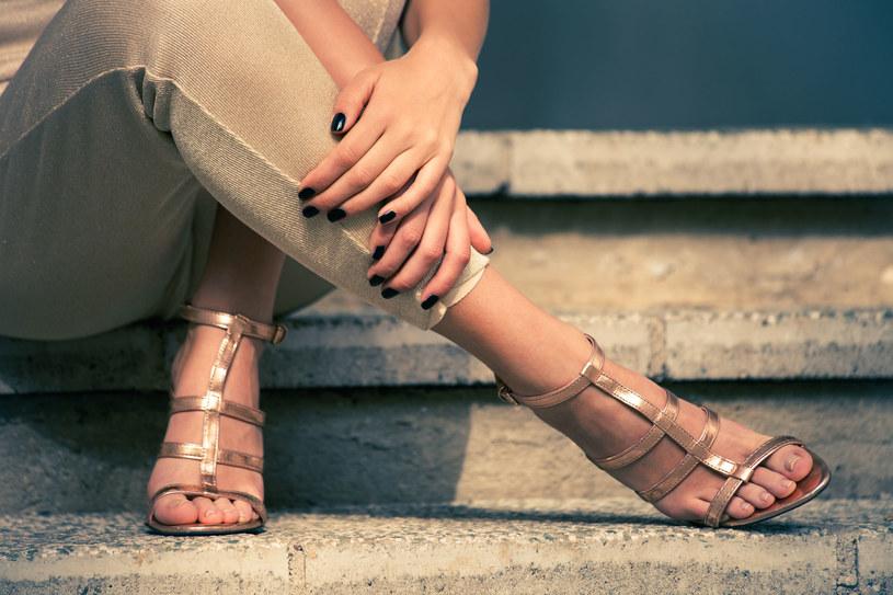 Najpopularniejsze kobiece obuwie może nadać seksapilu i elegancji paniom, które je noszą /©123RF/PICSEL