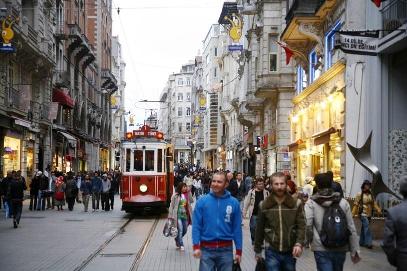 Najpopularniejszy deptak Stambułu – İstiklâl Caddesi /Agencja FORUM