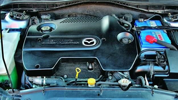 Najpoważniejszą z usterek jest zatykanie się sitka pompy oleju w misce olejowej. /Motor