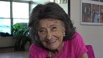 """Najstarsza nauczycielka jogi na świecie. """"Jest źródłem inspiracji"""""""