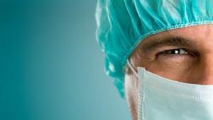 Najszybciej rosną zarobki lekarzy