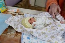 Najwięcej dzieci w Polsce rodzi się latem