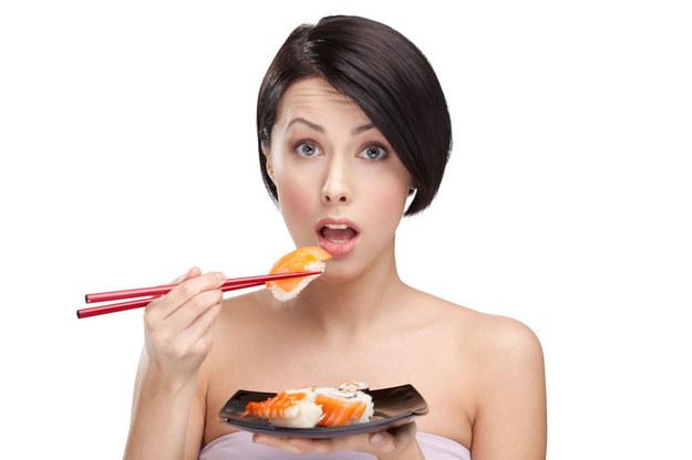 Najwięcej wspólnego ma z kuchnią japońską. Wykorzystuje wiele z jej typowych składników, choćby... wodorosty /©123RF/PICSEL