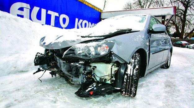 Największą popularnością wśród handlarzy cieszą się auta z dużymi przebiegami i lekko uszkodzone. /Motor