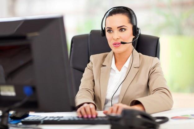 Najwyższe płace wśród osób kontaktującymi się z klientami, otrzymywali zatrudnieni w branży IT /123RF/PICSEL