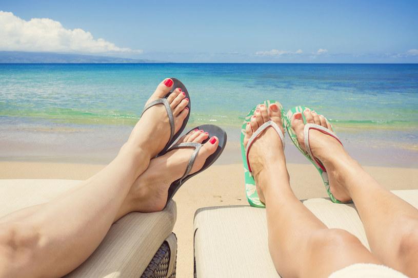 Najwyższy czas zadbać o stopy /©123RF/PICSEL