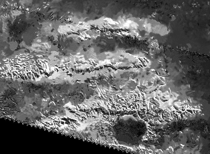 Najwyższy szczyt Tytana znajduje się w paśmie Mithrim Montes /NASA
