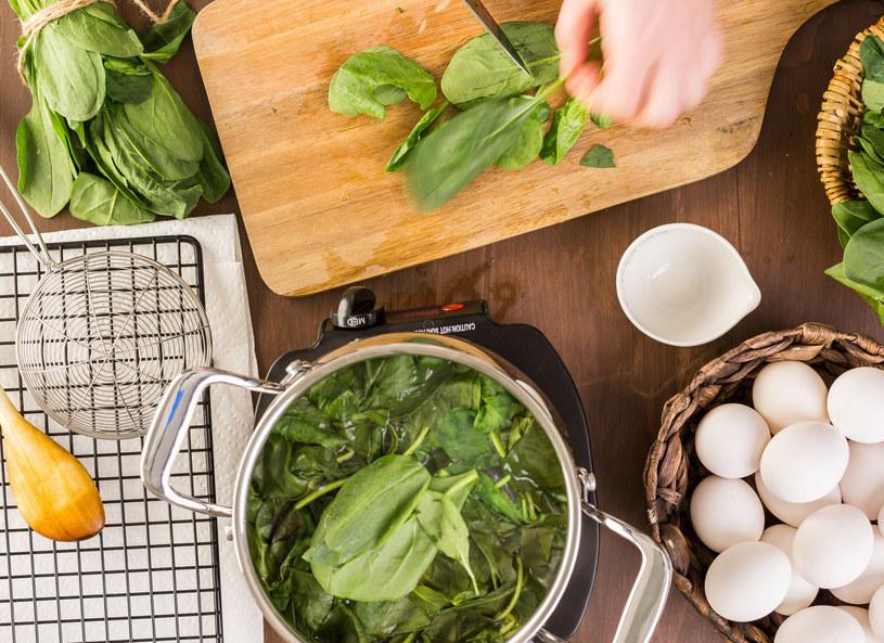 Najzdrowsze warzywa to te zielone /123RF/PICSEL
