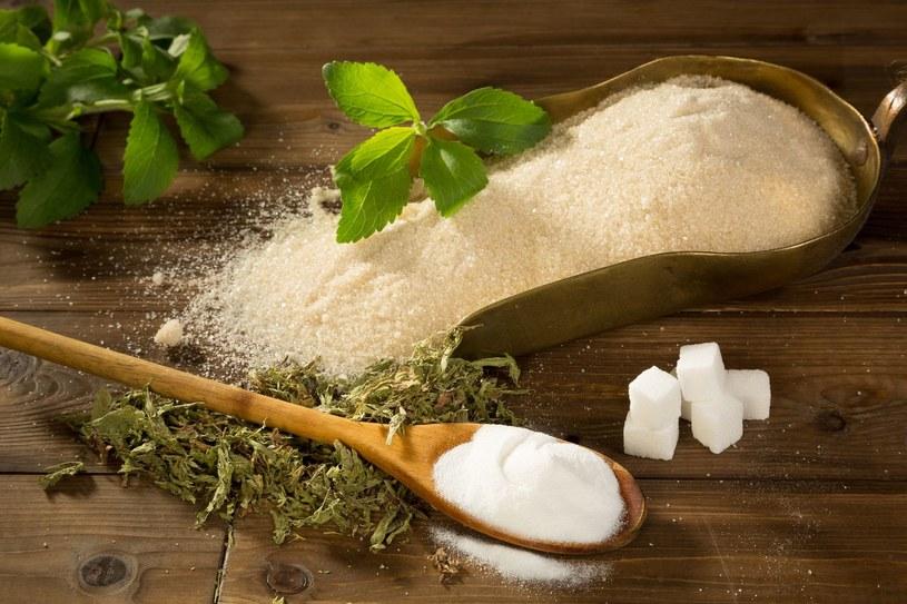 Najzdrowsze zamienniki cukru to ksylitol i stewia /123RF/PICSEL