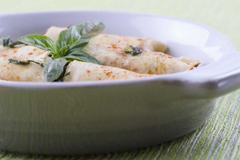 Naleśniki na słono z gotowanych ziemniaków /123RF/PICSEL
