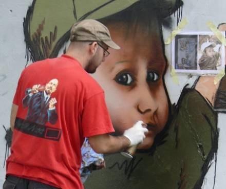 Namalować bajkowa postać, to wcale nie takie proste / fot. B. Bieńkowski /Euroregio Glacensis