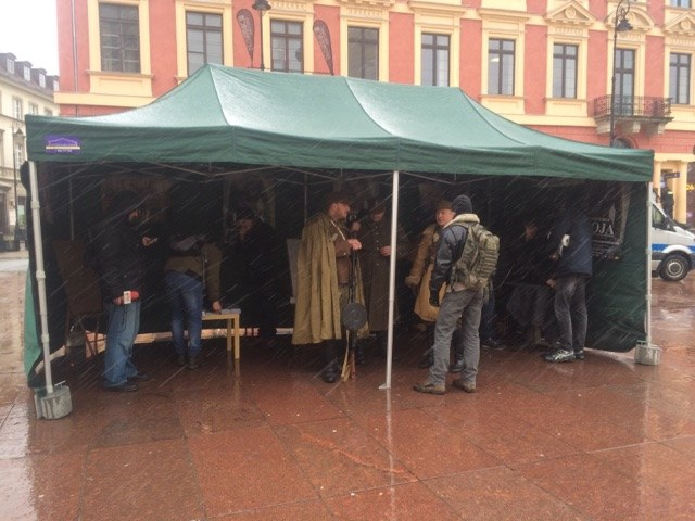 Namiot Wyklętych na placu Zamkowym w Warszawie /Michał Dobrołowicz /RMF FM