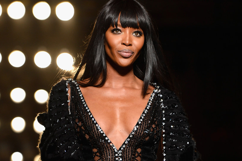 Naomi Campbell na pokazie Versace /Getty Images