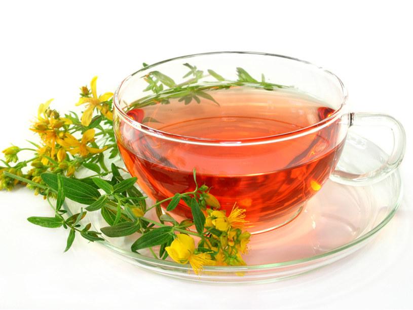 Napary i ziołowe herbatki na jesienne rozdrażnienie.  /© Panthermedia