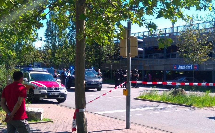 Napastnik wtargnął do multipleksu po godz. 15 /Einsatzreport Suedhessen /PAP/EPA