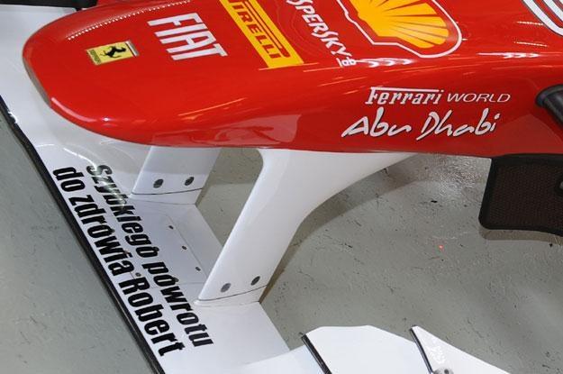 Napis na bolidzie Ferrari /