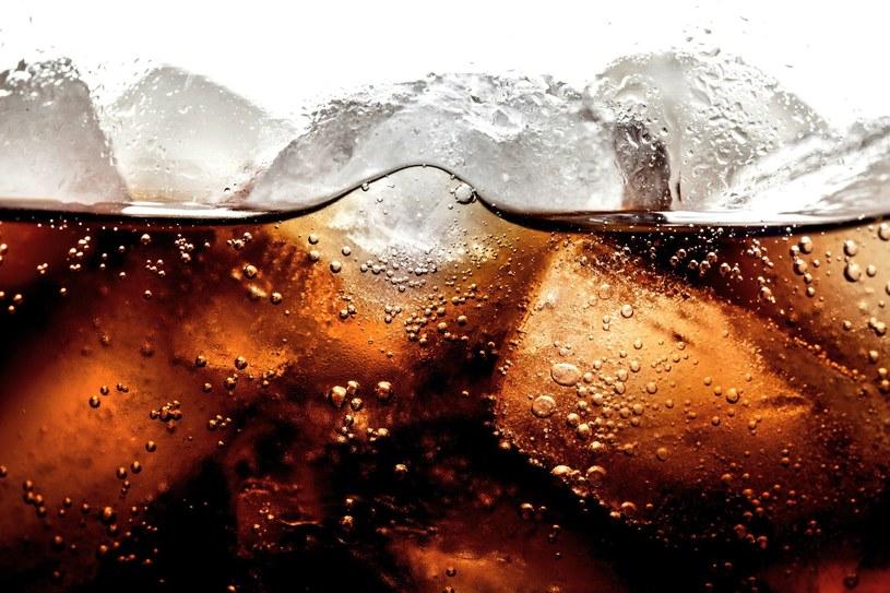 Napoje gazowane uszkadzają mózg /©123RF/PICSEL