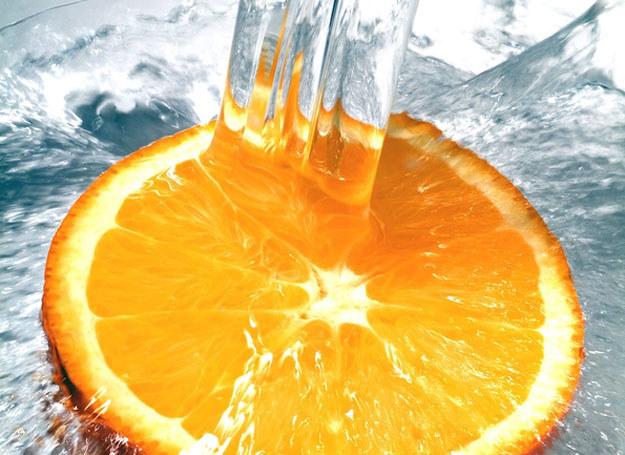 Napoje oczyszczające dodadzą ci energii /© Panthermedia