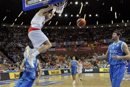 Nar Zanolin pochwalił poziom ME koszykarzy /AFP