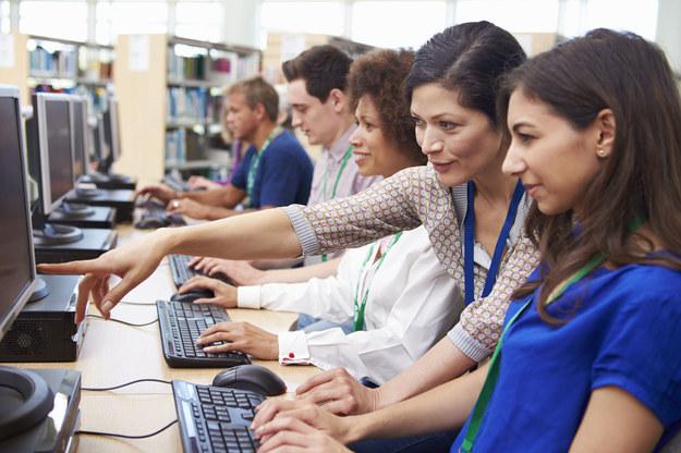 Narodowego Centrum Badań i Rozwoju przeznaczyło 200 mln zł w br. na kształcenie kadr /123RF/PICSEL