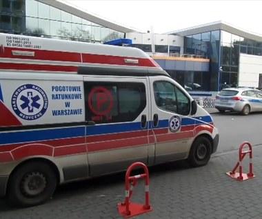Nastolatek topił się na basenie w Warszawie. Został zabrany do szpitala