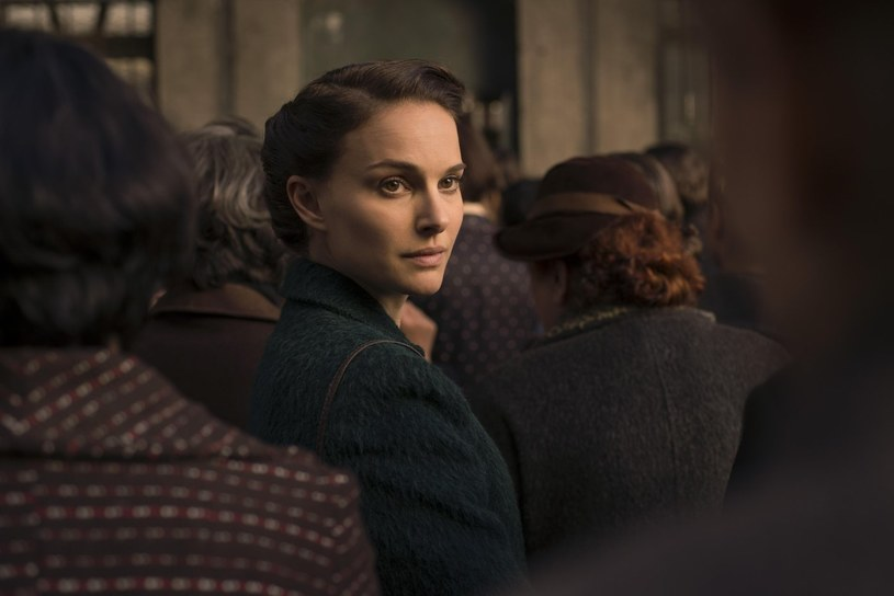 """Natalie Portman na planie filmu """"Opowieść o miłości i mroku"""" /materiały dystrybutora"""