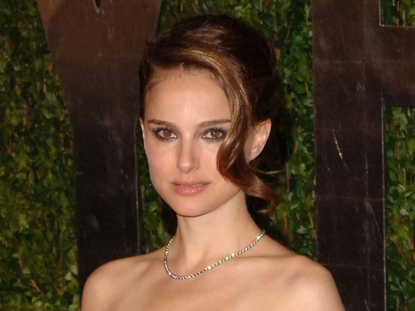 Natalie Portman świetnie wygląda w takiej fryzurze  /Getty Images/Flash Press Media