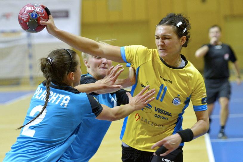 Natasa Krnic (z piłką) /Fot. Adam Warżawa /PAP