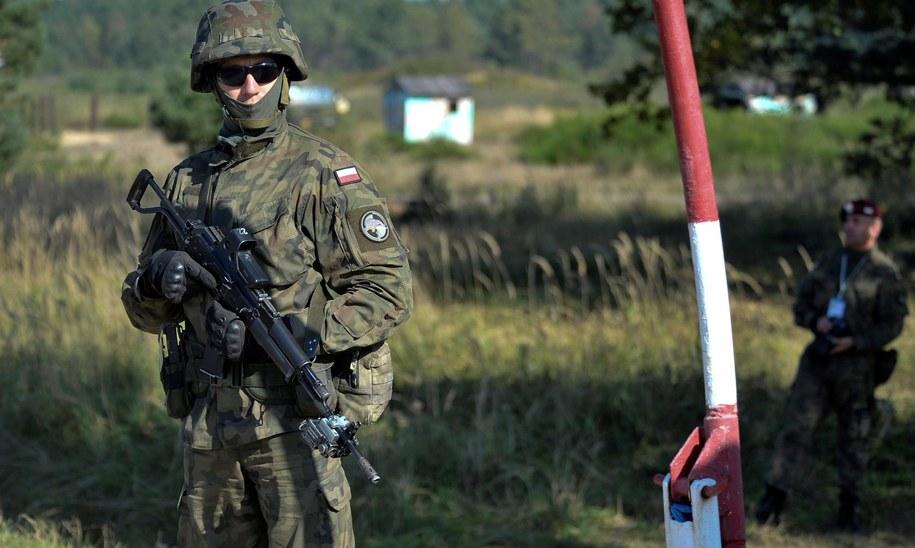 """""""NATO może mieć problem z gwarancjami wobec Polski"""" - twierdzi niemiecki tygodnik /VAN BOBERSKYY  /PAP/EPA"""
