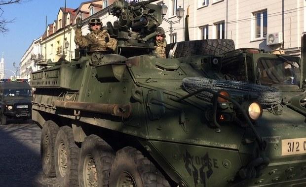 NATO o hakowaniu przez Rosjan telefonów żołnierzy: Próby podkopania skuteczności sił Sojuszu