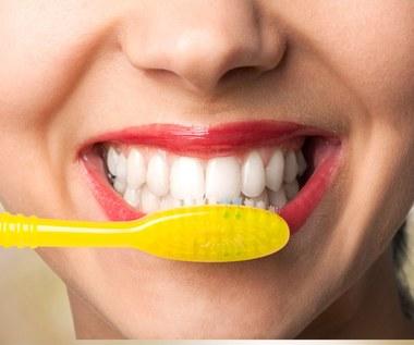 Naturalne wcierki wybielą zęby i wzmocnią szkliwo