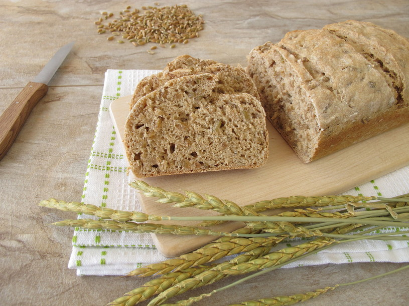 Naturalny chleb orkiszowy /123RF/PICSEL