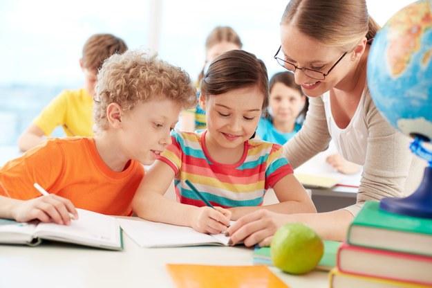 Nauczyciel dostanie 440 zł brutto za wyróżniającą pracę /123RF/PICSEL