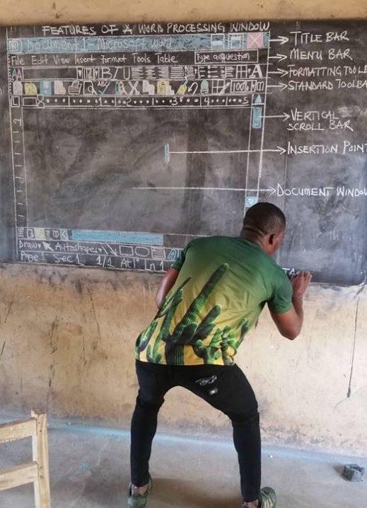 Nauczyciel został pochwalony na swoją pracę przez miliony użytkowników. Fot. Facebook /Internet