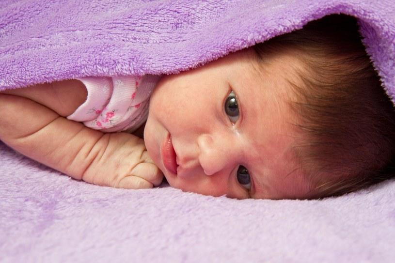 Naukowcy odkryli ciekawą zależność między wagą niemowlęcia, a otyłością w późniejszym życiu /©123RF/PICSEL